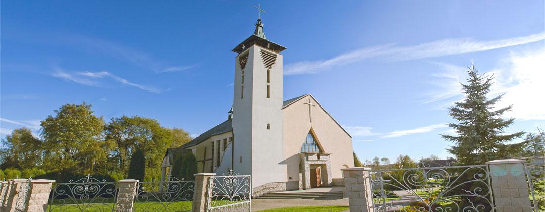Kościół P.W. Matki Bożej Królowej Polski w Rzozowie